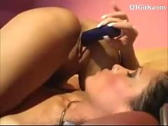 2 girls licking fucking each others pussy with vibrator in 69 on the bed