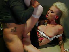 Tattoed girl likes to suck dick