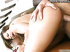Latina pornstar diana gives blowjob
