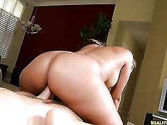 Levi  the milfhunter serves up some cock for hot milf victoriia