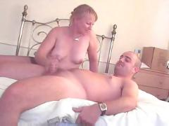 Sexy mature welsh lady in pantyhose handjob