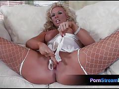Babe ginger jones toys her pussy