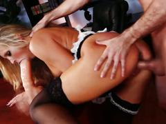 Hot maid samatha saint fucks a visitor