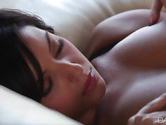 Babes delicious dark haired annalisa greco mas...