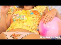 Readhead teen gets horny