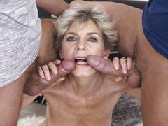 Kinky mature lady having a threesome