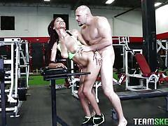 Fucking the new girl at the gym