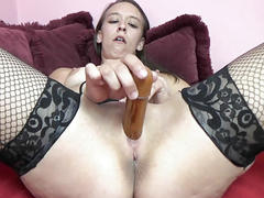 Horny babe nicci taylor lifts her dress and fucks her twat