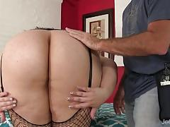 Naughty bbw becki butterfly gets a full body massage