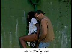 Hondras beauty likes to be turned on  (clip)