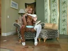 Lolana strips and teases