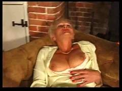 Mature in stockings with grey pussy hair spreads and plays