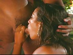 Indian chick knows how to get her pussy licked