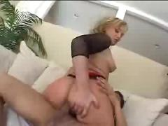 Flower tucci gets her big phat ass drilled ( amateur mature mom mother milf granny blonde anal cumshot couch )