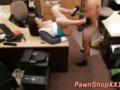 Hoe in pawnshop facial