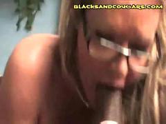 Interacial hardcore cougar fucking