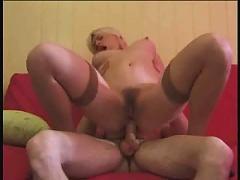 French blonde  aux gros seins