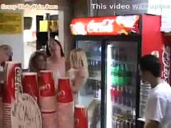 Horny-teen-naked-in-pizza-place