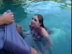 Bikini slut fucked poolside