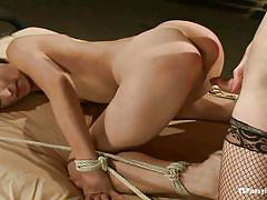 Brunette shemale fucking tied chick