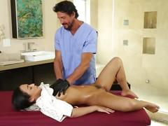 Doctor visits the spa! - amara romani, tommy gunn