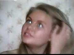 Geil blondje op een casting