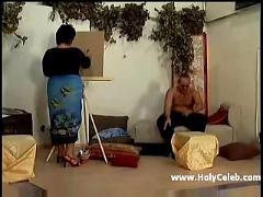 Alte malerin fickt model