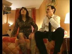 Madame se fait baiser a l hotel paye par le mari