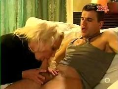Nomi - blond desperate sex wife getting anal