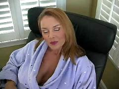 Milf trimming pussy