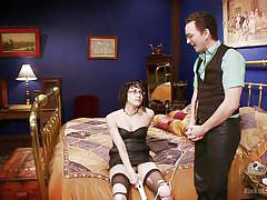 Ransom shows how to be a good submissive