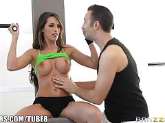 Brazzers - kortney kane's needs help stretching