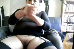 Granny vibes her pussy on skype video chat
