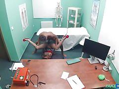 Italian nurse fucks the doc in the exam room