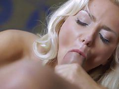 Big cock slurped by victoria puppy