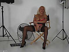 Hot horny milf makes her own porn movie fucking her pussy with big toy