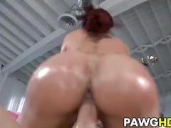 Kelly divine and her booty