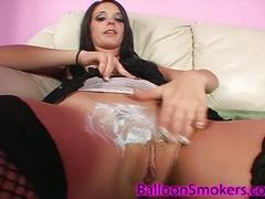 Bonnie shaving her pussy