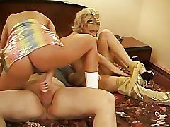 Moms sisters and daughters - scene 4
