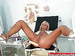 Mamma frantiska cunny gaping in nurse uniform at clinic