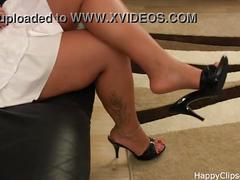 milf, mature, fetish, erotic, foot, shoe, dangling, slipper