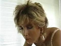 Angela bangs victoria