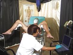 What is the name of this gyno exam pornstar ?
