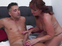 Chubby mature gets fucked in sideways