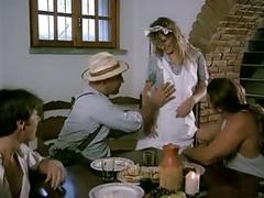 French waitress dp'ed