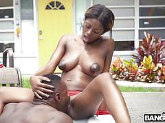 Enjoy raw and hardcore sex sessions of the ebony couple