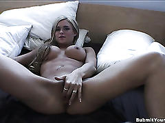 Stunning amateur girlfriend in homemade sextape!