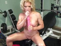 oil, squirt, solo, bodybuilder, fitness, cougar, flexing, dirtytalk, biceps
