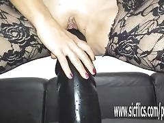 Sarah fucks her loose pussy with a enormous dildo