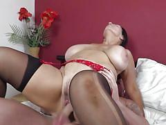 Bbw mature knows how to use big and hard dicks